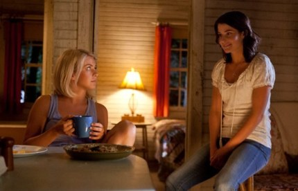 Katie (Julianne Hough) and fellow loner Jo (Cobie Smulders) chat in SAFE HAVEN, courtesy Alliance, 2013